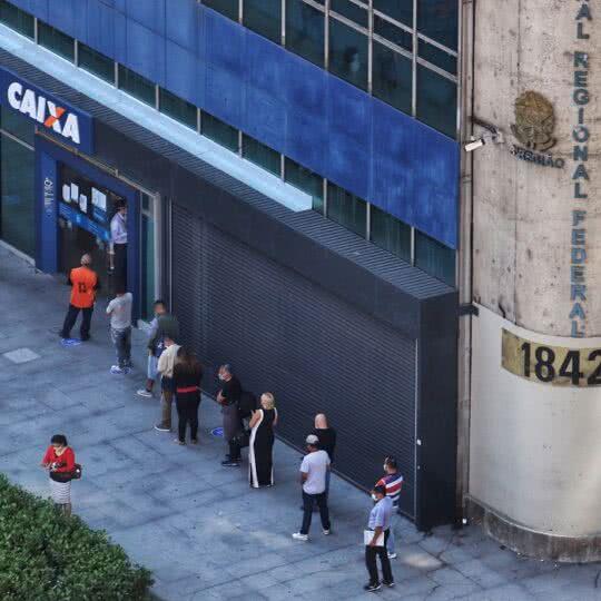 Auxílio do Governo: Caixa divulga data de pagamento de novos aprovados
