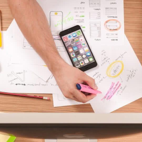 Autônomo e freelancer: vale a pena separar a conta pessoal da empresa