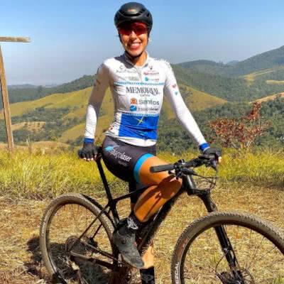 Bicicleta - Ana Polegatch - Grão